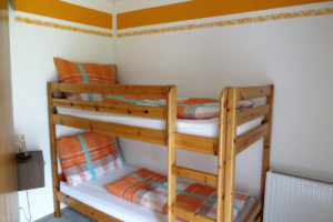 Fewo-Orange_Schlafzimmer-2
